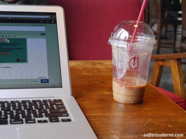 Anomali Coffee Shop