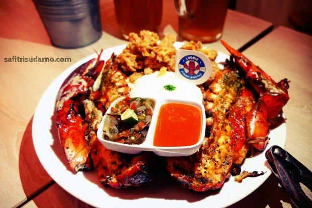 maine red lobster lobbie lobster